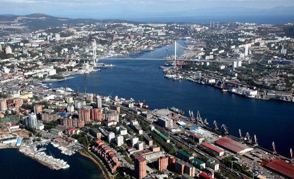 VladivostokGoldenHorn.jpg