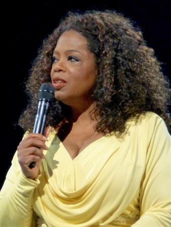 800px-Oprah_in_2014.jpg