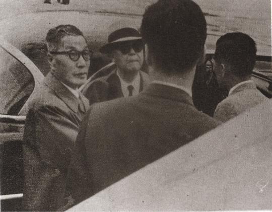 1960년_5월_29일_이승만 하와이출국.jpg