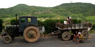 800px-North_Korea_tractor.jpg
