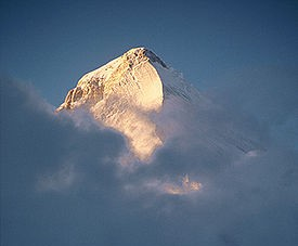 275px-Peak_of_Khan_Tengri_at_sunset.jpg