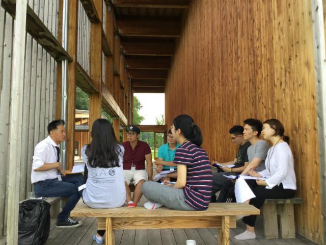 8. Group '삼삼' - 각 종교 교직자들과의 화두에 대한 담화  (5).JPG