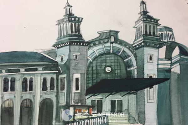 민스크  벨라루스카야 역은 눈에 번쩍 띄는 초록색 페퍼민트 칼러 였다.  특이한 초록 빛깔이 나의 눈길을 사로 잡았다.jpg