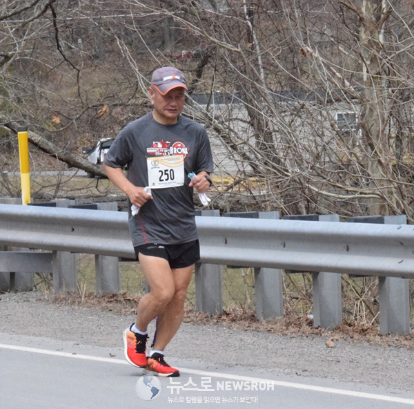 2019 03 30 Two River Marathon 18.jpg