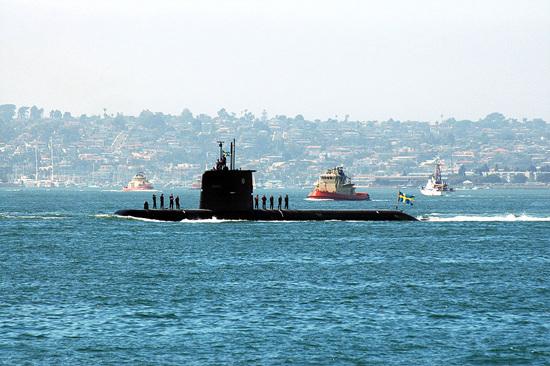 1024px-Swedish_attack_submarine_HMS_Gotland.jpg