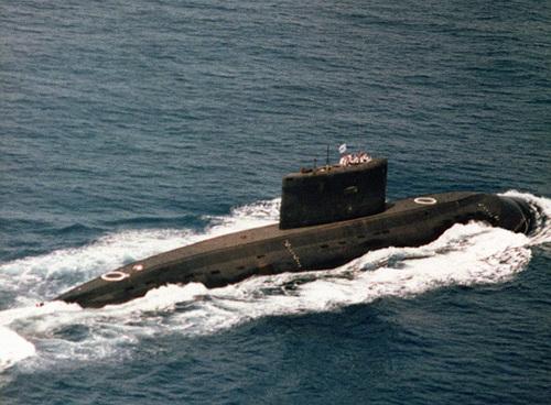 800px-Iranian_kilo_class_submarine.jpg