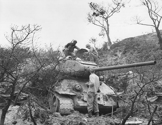 T-34-85-korea.jpg