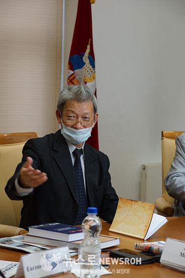 김 모이세이(사회, 全러시아고려인연합회 고문단 의장).jpg