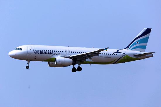 1280px-HL7753_-_Air_Busan_-_Airbus_A320-232_-_TAO_(16752191602).jpg